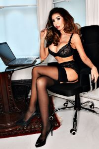 london-escort-elle-independent-6e