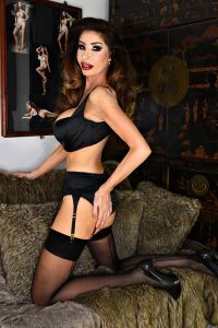 london-escort-elle-independent-9c